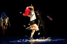 Athosgarabathos presenta De Blanco grisaeo en la Temporada Danza X la Libre del Centro Cultural Los Talleres, mayo 2016