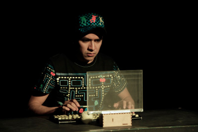 Pequeno Teatro presenta Sobre ruedas, con la direccion de Enrique Monzuazo. Teatro Sergio Magana, noviembre 2016