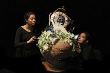 Caracola Producciones presenta Memorias de abajo, dirigida por Gina Botello. Foro La Gruta del Centro Cultural Helenico, marzo 2017