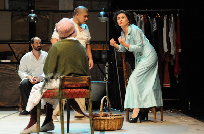TeatroSinParedes presenta Los Naufragos, de Guillermo Leon con direccion de David Psalmon. Teatro Helenico, abril 2017