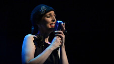 Louise Phelan se presenta en el Teatro de la Ciudad Esperanza Iris.  Festival del Centro Historico, abril 2017