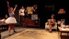 El juego de la silla, dirigido por Angelica Rogel, se presenta en el Foro Shakespeare, mayo 2017