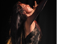 Lina Ravines presenta Piso Negro. Teatro de la Danza mayo 2017. Foto Sebastian Acevedo