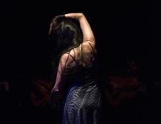 Lina Ravines presenta Piso Negro. Teatro de la Danza mayo 2017. Foto Ramon Marcos