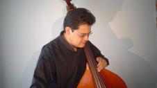Javier Cruz, contrabajista, se presenta como solista de la Orquesta Filarmonica de la Ciudad de Mexico, junio 2017