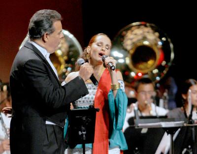 Susana Harp y Fernando de la Mora se presentan en Sones de mi tierra. Palacio de Bellas Artes, junio 2017
