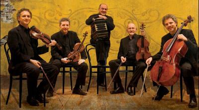 Cuarteto Latinoamericano festeja 35 anos de trayectoria acompanado por Cesar Olguin, en el Palacio de Bellas Artes, octubre 2017