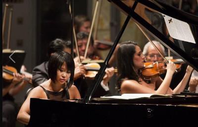 Yuja Wang se presento con la Orquesta Sinfonica Nacional dirigida por Carlos Miguel Prieto, en el Palacio de Bellas Artes, octubre 2017. Foto Bernardo Arcos.