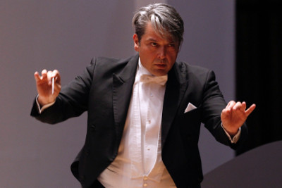 Srba Dinic, dirige a la Orquesta del Teatro de Bellas Artes, que presenta Gala de fin de ano en el Palacio de Bellas Artes, diciembre 2017