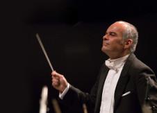 Carlos Spierer dirige a la Orquesta Filarmonica de la Ciudad de Mexico, enero 2018