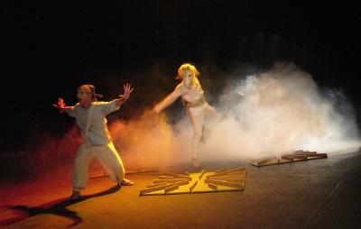 Caballo Blanco, dirigida por Alicia Martinez, se presenta en el 10 Gran Maraton de Teatro para Ninas, Ninos y Jovenes, Centro Cultural del Bosque, marzo 2017