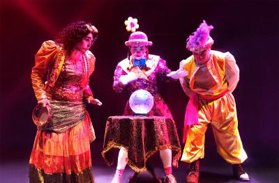 La Trouppe presenta La Artesteada Trupetera, en el Teatro Helenico, mayo 2017
