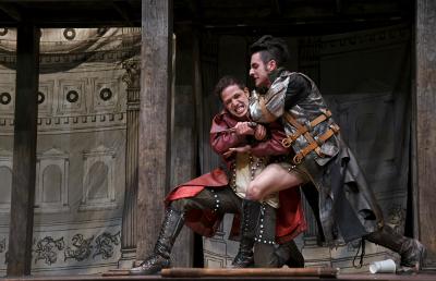 Romeo y Julieta, dirigida por Mauricio Garcia Lozano, se presenta en el Teatro Helenico, junio 2017