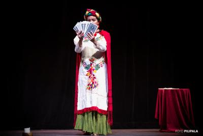 Disturbios de lo imposible, con la direccion del ilusionista Makartur y Ana Maria Aparicio, se presenta en el Teatro Carlos Lazo, noviembre 2017. Foto PiliPala