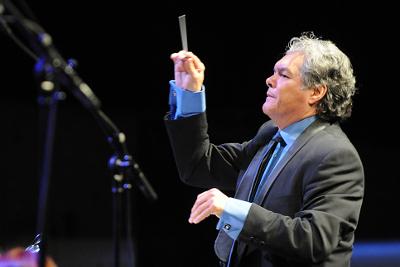 Arturo Marquez estrena Concierto-son para flauta y orquesta con la Orquesta Sinfonica Nacional. Palacio de Bellas Artes, diciembre 2017