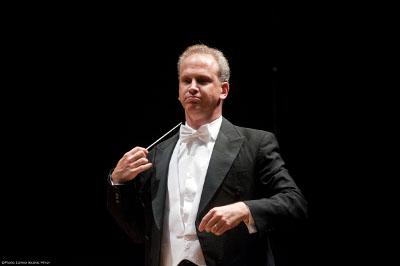 Carlos Miguel Prieto dirige a la Orquesta Sinfonica Nacional en el concierto de la Catedral Metropolitana. del Festival del Centro Historico, marzo 2018