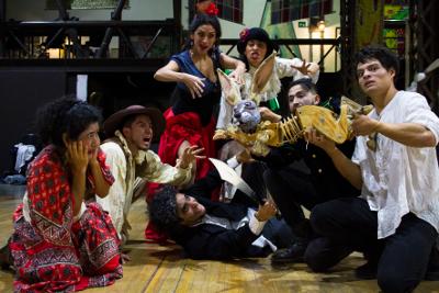La Bomba Teatro presenta Un banquete para el difunto Quijote, obra creada por Luis Martin Solis y Alejandro Roman con direccion de escena de Paola Herrera, abril 2018