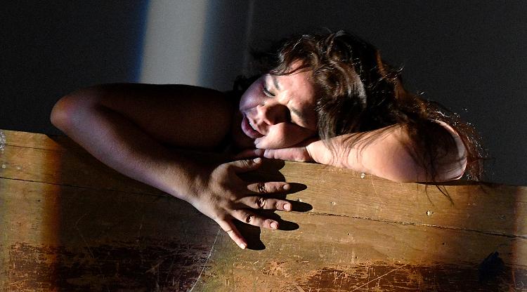 Este cuerpo mio, dirigida y actuada por Mariana Villegas. Foto Arturo Lopez