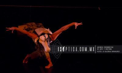 Dunataca presento MUUchachitas en el Teatro de la Danza Guillermina Bravo, septiembre 2018. Foto Gloria Minauro Isoptica