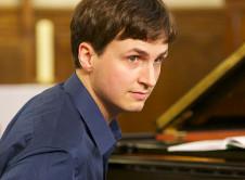 Oliver Moulin se presenta en el Festival Internacional de piano en Blanco & Negro. Sala Blas Galindo del Centro Nacional de las Artes, septiembre de 2018