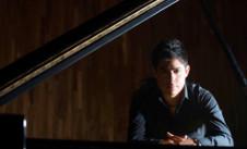 Erik Cortés se pesenta con la Orquesta Filarmónica de la UNAM en Enfoque en Escena...