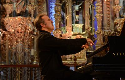 Alexei Volodin se presenta con la Orquesta Filarmonica de la UNAM. Sala Nezahualcoyotl, febrero 2019.