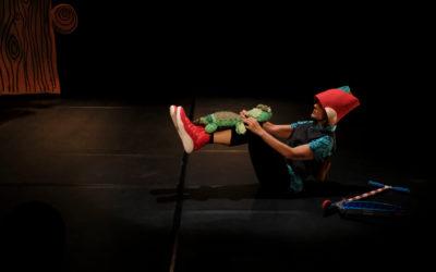 Athosgarabatos presenta Orejotas, un gigante con ojitos, una coreografia de Maria Laura Zaldivar. Salon de Danza del Centro Cultural Universitario, enero 2018