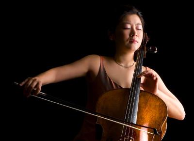 Meehae Ryo se presenta con la Orquesta Filarmonica de la UNAM. Sala Nezahualcoyotl, febrero 2019.