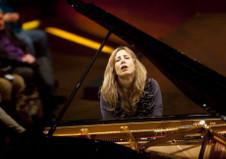 Ingrid Fliter, piano, solista invitada de la Orquesta Sinfonica Nacional. Palacio de Bellas Artes, febrero 2019