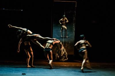 Inside the Body presento Mas corazon que piel, obra de Aladino Rivera Blanca, en el Teatro de la Danza febrero 2019. Foto Julio Lopez