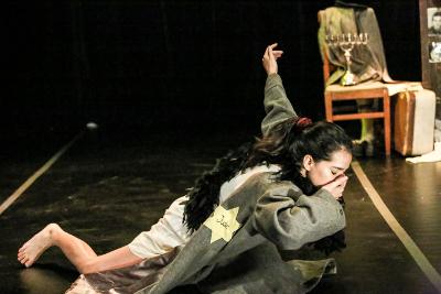 Jessica Sandoval presenta Ana Frank, creacion de Gladiola Orozco. Un Teatro Alternativa Escenica, febrero 2019