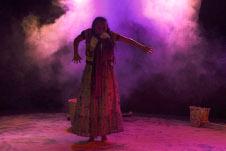 Mayra Serbulo, actua en Todos santos, obra dirigida por Sixto Castro Santillan, que se presenta en la Sala Xavier Villaurrutia, febrero 2019