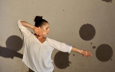 PAUSA en movimiento presenta la obra Y… Lineando lineas de Paula Rechtman. Teatro Benito Juarez, febrero 2019. Foto Victor Blanco