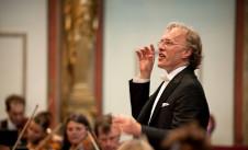 Martin Haselbock dirige a la Orchester Wiener Akademie que se presenta en el Festival del Centro Historico, Palacio de Bellas Artes, abril 2019