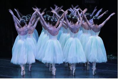 Blanca Rios en Giselle de la Compania Nacional d e Danza. Palacio de Bellas Artes, mayo 2019. Foto Alfredo Millan