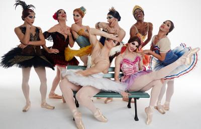 Les Ballets Trockadero de Montecarlo se presento en el Teatro de la Ciudad Esperanza Iris