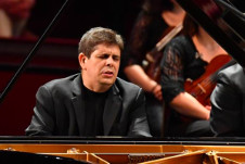 Javier Perianes, piano, solista invitado en la Temporada Verano 2019 de la Orquesta Sinfonica de Mineria. Sala Nezhualcoyotl, julio 2019