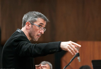 Jose Luis Castillo dirige a la Orquesta Sinfonica de Mineria. Sala Nezahualcoyotl, julio 2019