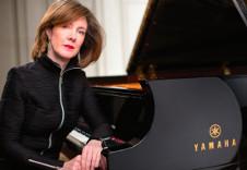 Anne Marie McDermott, piano, se presenta con la Orquesta Sinfonica de Mineria. Sala Nezahualcoyotl,  agosto 2019. Enfoque