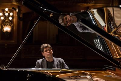 Javier Perianes, piano, se presenta con la Orquesta Sinfonica de Mineria, agosto 2019
