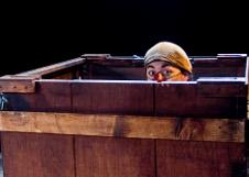 Inmigrantes Teatro presenta Kikiricaja, espectaculo de Ray Garduno, en el Foro la Gruta del Centro Cultural Helenico, agosto 2019. Foto Alejandro Montalvo
