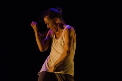 Nemian Danza Escenica, dirigida por Isabel Beteta, presenta el espectaculo  Historia. Teatro de la Ciudad Esperanza Iris, septiembre 2019