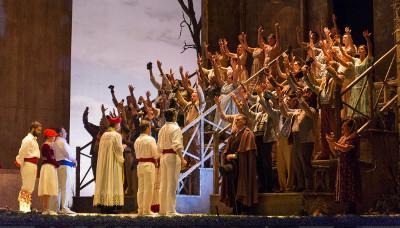El caserio, puesta en escena de Pablo Viar, se presenta en el Teatro de la Zarzuela. Madrid, octubre 2019. Foto Antonio Castro