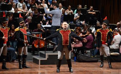 Javier Camarena celebra los 15 anos de su debut en el Palacio de Bellas Artes con La hija del regimiento, Febrero 2020. Foto Fabian Cruz.