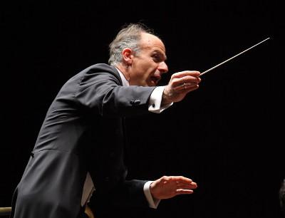 Massimo Quarta, dirige a la Orquesta Filarmonica de la UNAM en su Primera Temporada 2020 en la Sala Nezahualcoyotl