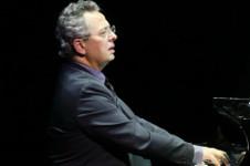 Pascal Gallet, piano, solista invitado de la Orquesta Filarmonica de la UNAM. Sala Nezahualcoyotl, febrero 2020
