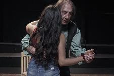 Mauricio Davison actua en La exageracion, dirccion David Olguin, en el Foro La Gruta, Helenico, marzo 2020. Foto Blenda IMG.
