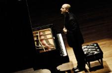 Rodolfo Ritter solista invitado de la Orquesta Filarmonica de la UNAM. Sala Nezahualcoyotl, marzo 2020