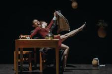 Pulmon Danza Teatro presenta Stickiness, en el Teatro El Granero, marzo 2020. Foto Miguel Angel Casco